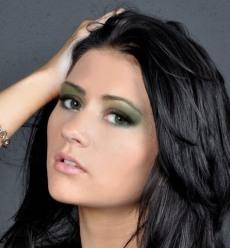 Фото праздничного макияжа для зелёных глаз №1